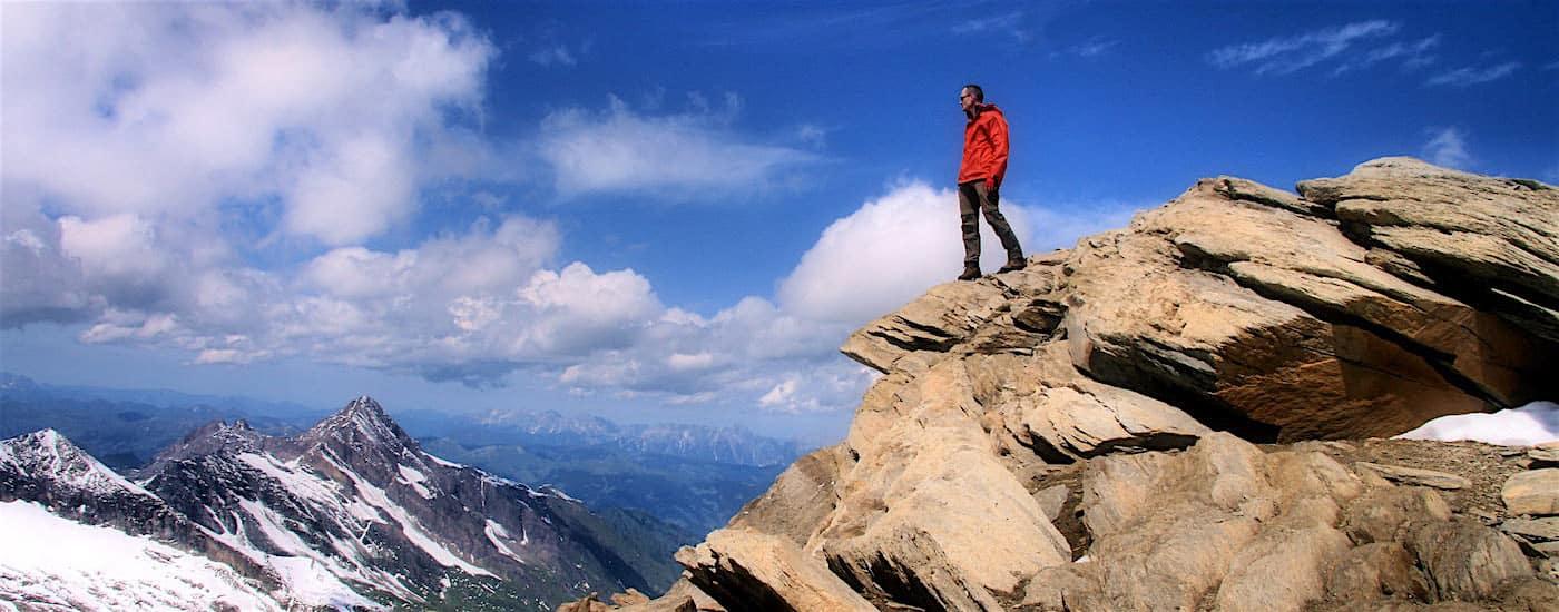 Innere Kraftquellen - Mensch auf Berg